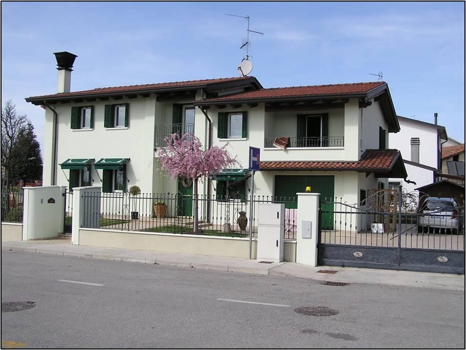 Vendesi villa singola portogruaro agenzia immobiliare for Appartamenti arredati in affitto a portogruaro