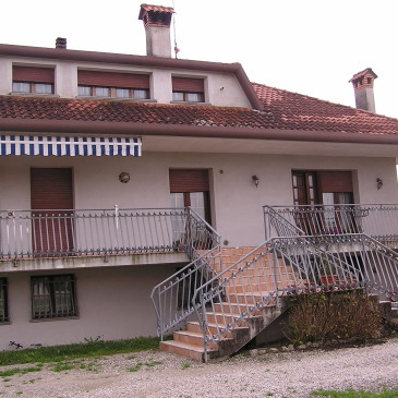 Vendesi villa – Località Brussa