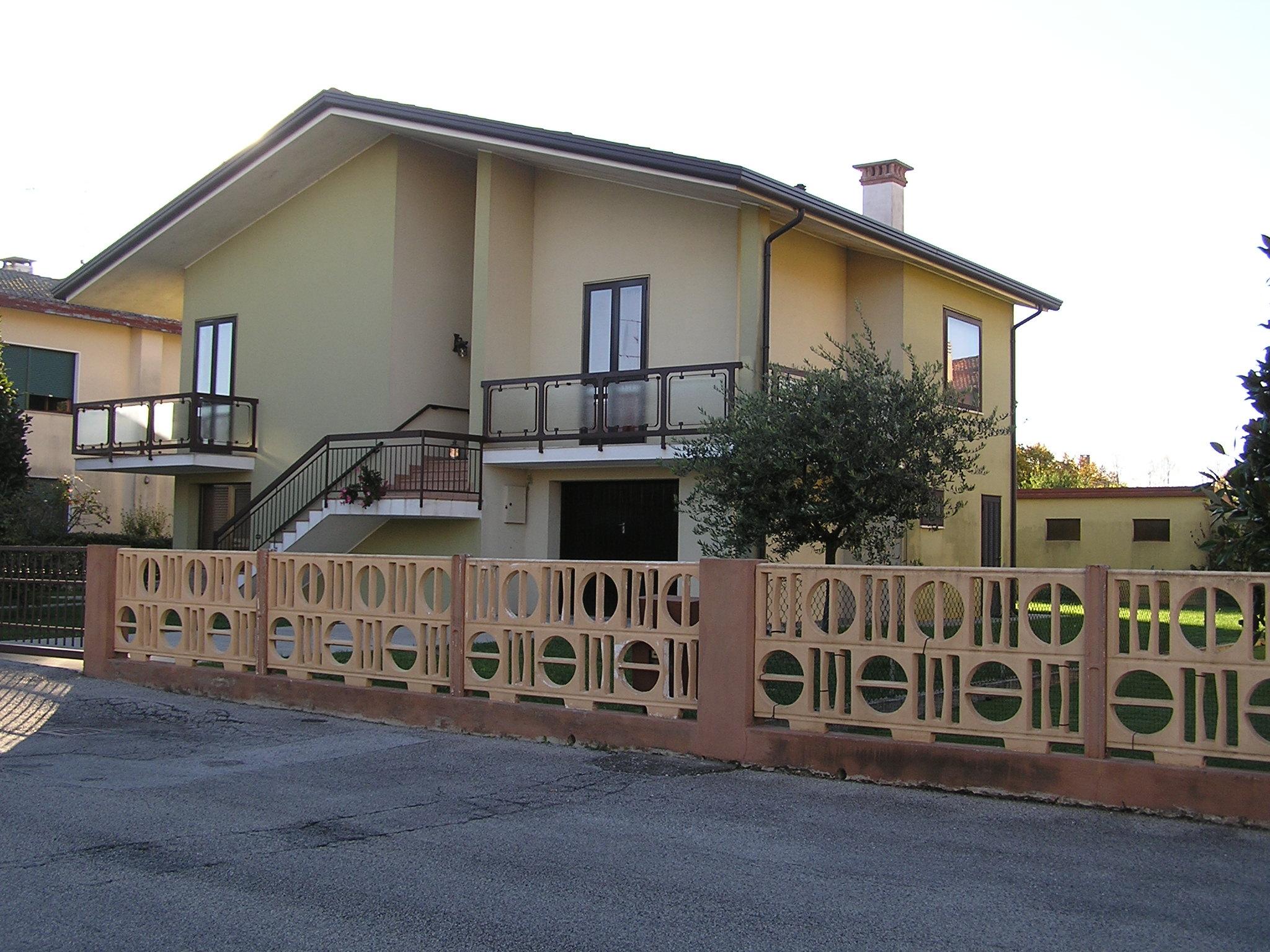 Vendesi fossalta di portogruaro agenzia immobiliare for Appartamenti arredati in affitto a portogruaro